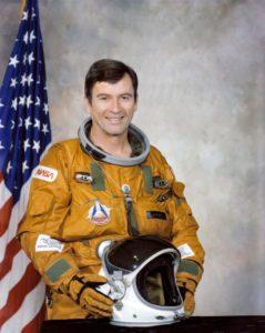 official-portrait-crippen-robert-l-astronaut-sts-1-e13c97-1600