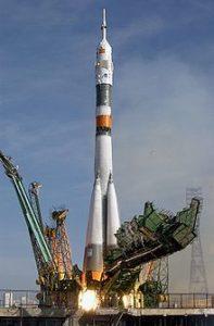 220px-Soyuz_TMA-3_launch